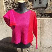 pull assymétrique rouge/pink